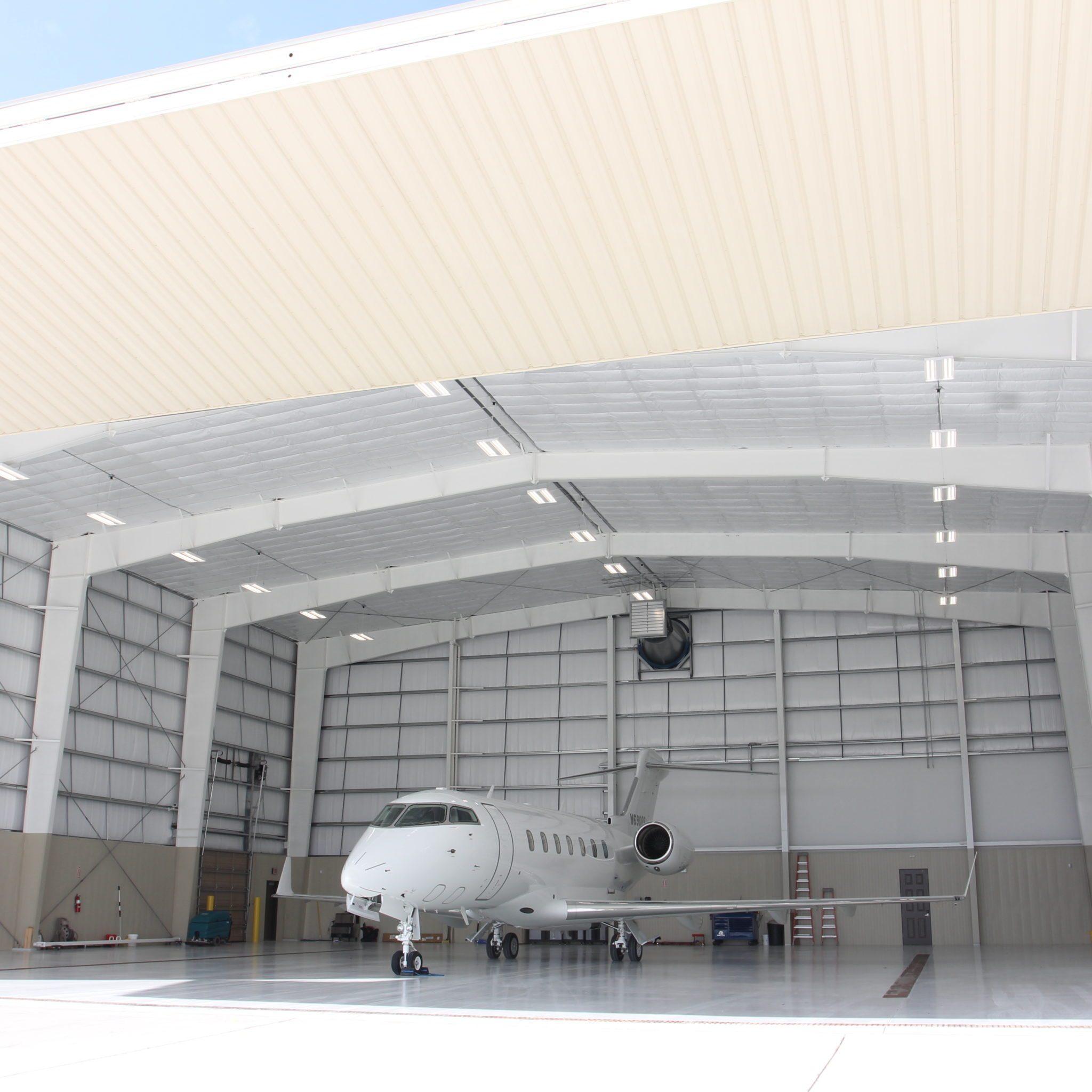 HANGAR AT LAFAYETTE REGIONAL AIRPORT