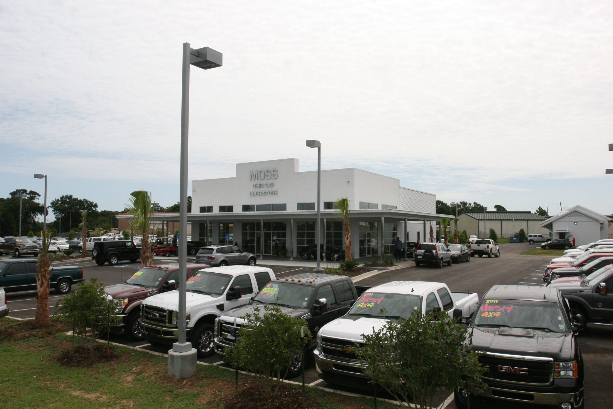 Moss motors used car superstore jb mouton for Moss motors used cars