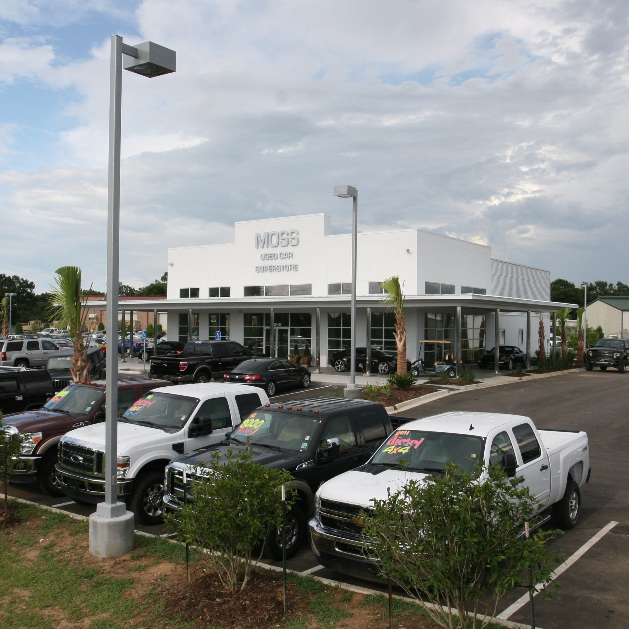 MOSS MOTORS – USED CAR SUPERSTORE